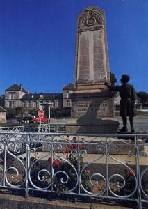 Gentioux (Creuse). Le Monument aux morts