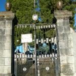 Le portail du cimetière
