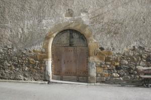 Chapelle ND de Pitié. Porte d'entrée