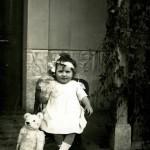Petite fille et son ours
