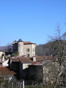 Seix. Le château vu de la Rue du Roy