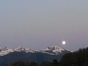 La lune sur la chaîne