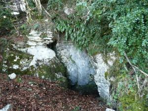 Seix. Le Mirabat. L'entrée du souterrain