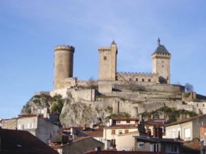 La ville de Foix dominée par son château