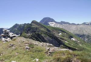 Le Tuc de la Messe 2446m.avec, à l'arrière plan, le Mt Valier