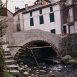 Seix. Rue du Roy. Construction du petit pont de pierres en arc
