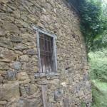Grange foraine. détail de fenêtre
