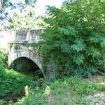 Vallée d'Estours. Pont de pierres